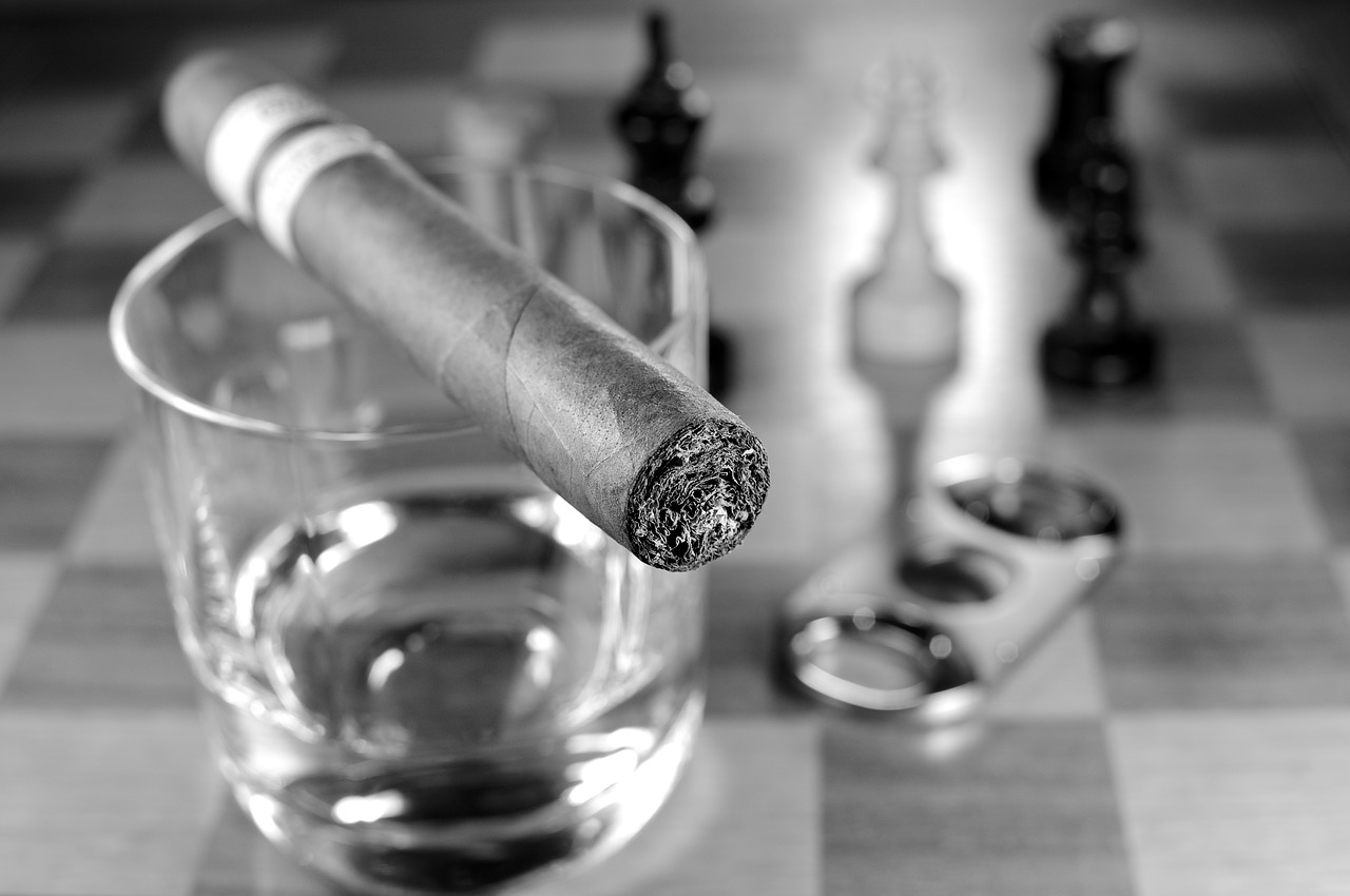 Cigar Cutter vs Punch Hole