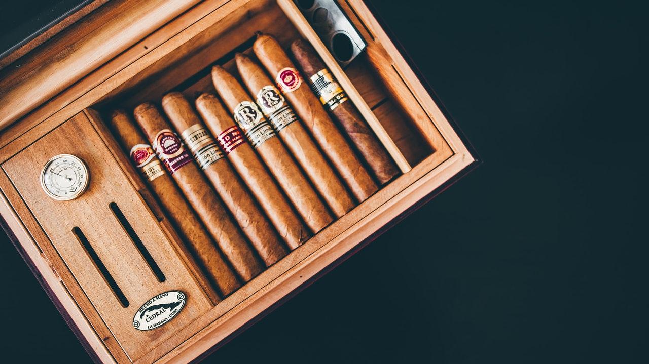 How to Keep Cigars Fresh